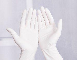 Чем и как мыть глянцевые натяжные потолки без разводов