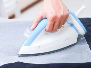Remove-an-Iron-on-Transfer-From-Clothes