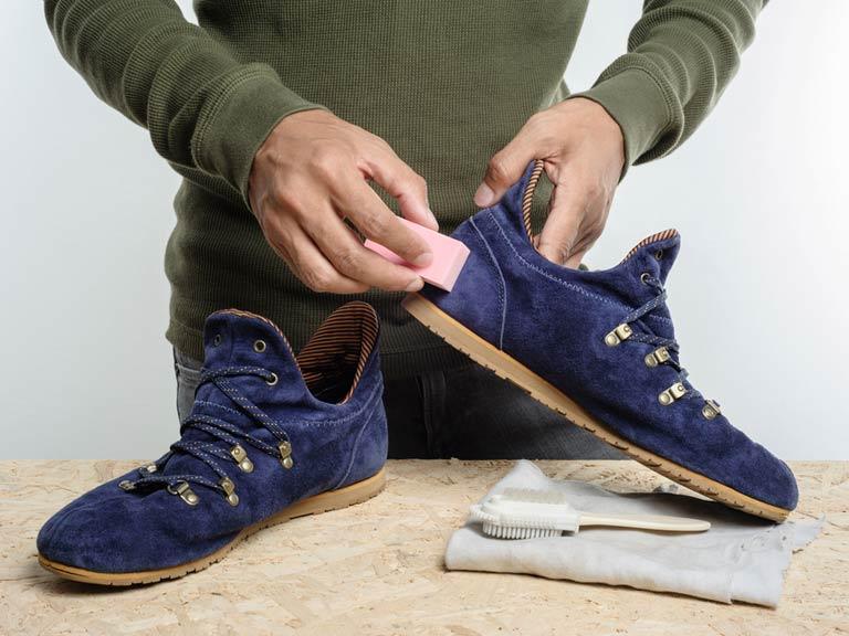 772eae0bf Как постирать замшевые кроссовки: можно ли мыть искусственную обувь