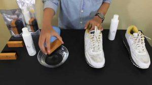 чистим кроссовки