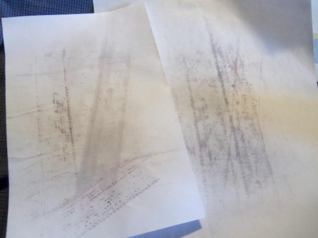 Как убрать следы от утюга на черной ткани фото
