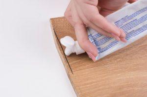 Чем стереть пермаментный маркер с пластика, обоев, мебели, металла